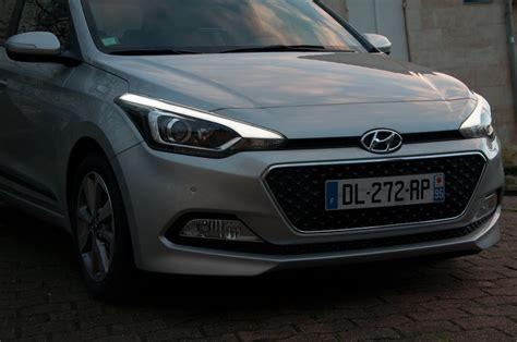 neuer hyundai  testbericht grosser kleinwagen autogefuehl