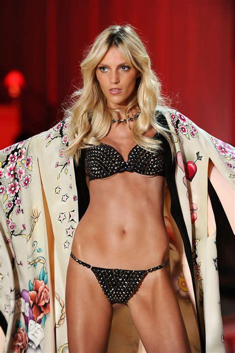 anja rubik anja rubik   victorias secret fashion show runway zimbio
