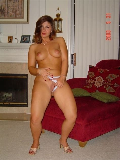 Those Thighs Milf Milfs Pictures Pictures Luscious