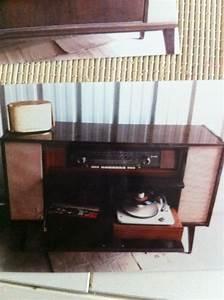 Meuble Pour Tourne Disque : meuble telefunken radio et tourne disque luckyfind ~ Teatrodelosmanantiales.com Idées de Décoration