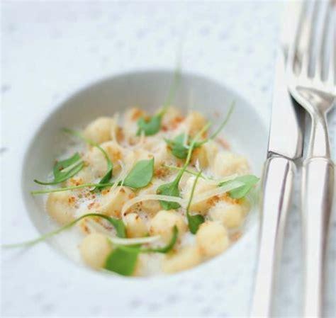 raifort cuisine recette gnocchis de panais sauce au raifort