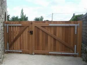portail cloture bois portail d entree de maison sfrcegetel With fabriquer un portail de jardin en bois