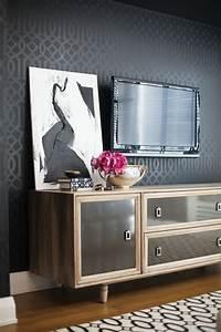 Sideboard Zum Aufhängen : sideboard dekorieren und einen positiven effekt erzielen ~ Indierocktalk.com Haus und Dekorationen