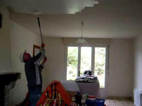 comment peindre un plafond facilement peinture au plafond