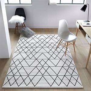 tapis deco ma selection de tapis la maison vivante With tapis salon graphique