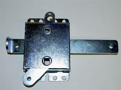 how to lock garage door garage door lock