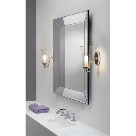 ip44 wall light for traditional bathroom lighitng in