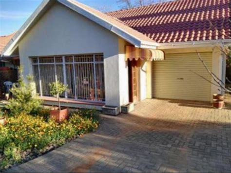 standard bank easysell  bedroom house  sale