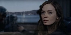 Movie Review: The Girl on the Train Is the Feel-Bad Movie ...