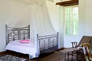Lit Fer Forgé Fille : decoration chambre avec lit fer forge visuel 4 ~ Teatrodelosmanantiales.com Idées de Décoration