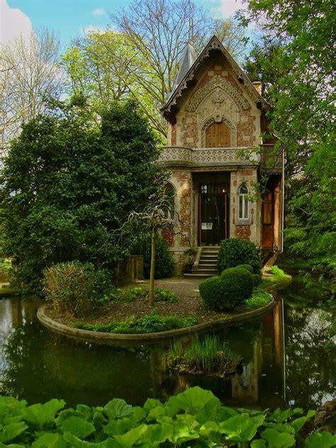 huge house tiny castle