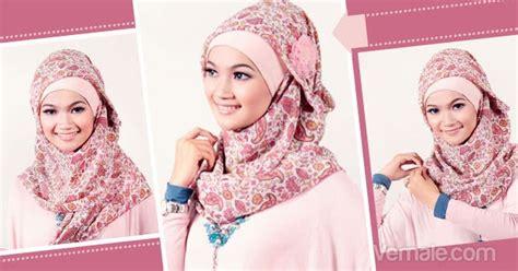 memakai jilbab segi empat modern kreasi ala butik