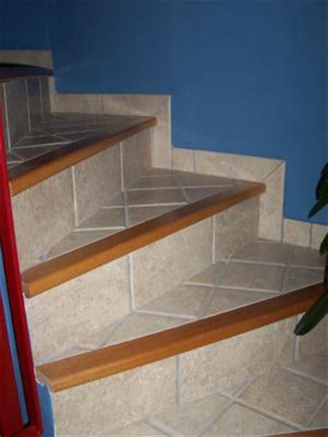 nez de marche en bois pour escalier escalier avec nez de marche en bois style rustique entreprise de carrelage didier caluwe