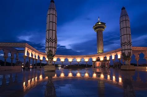 Travellers' Guide To Semarang - Wiki Travel Guide ...