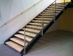 Garde Corp Escalier : garde corps 3 cables et verre avec main courante en bois ~ Dallasstarsshop.com Idées de Décoration