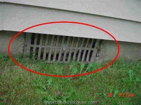 Crawlspace Mold, Ventilation and Insulation   CheckThisHouse