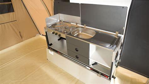 cuisine tridome caravane pliante mercury avec freins et vérins cabanon