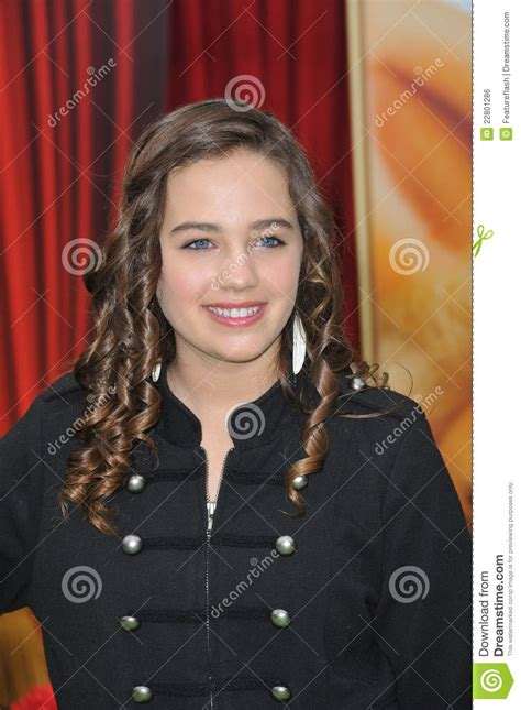 Mary Mouser, The Muppets Editorial Photo - Image: 22801286