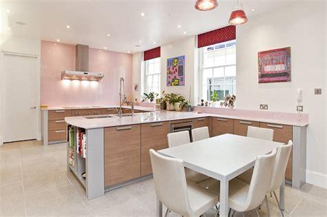 Robbie Williams' Five Bedroom Villa Up To Rent For £10,000