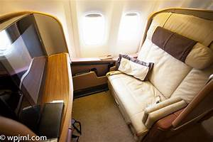 Singapore Airlines First Class Boeing 777-300 (773 ...