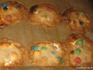 Backen Mit Kinderschokolade : kekse backen mit kinderschokolade und m ms studentenwiese ~ Frokenaadalensverden.com Haus und Dekorationen