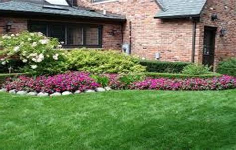 landscaping ideas for front of house in michigan