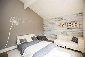 lambris bois blanc inviter le style campagne chic a la maison With chambre avec lambris blanc