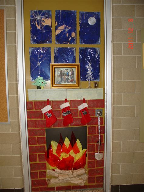best christmas door decorating contest uw biology graduate student association door decorating contest results