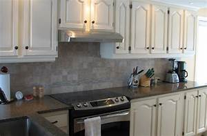 repeindre un meuble vernis en blanc relooking de meubles With peindre meuble en chene vernis