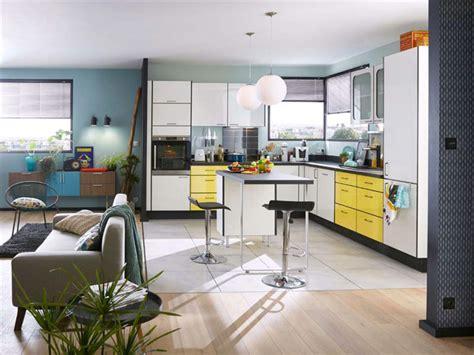 cuisine a domicile reglementation une cuisine ouverte sur le séjour de 10 m leroy merlin