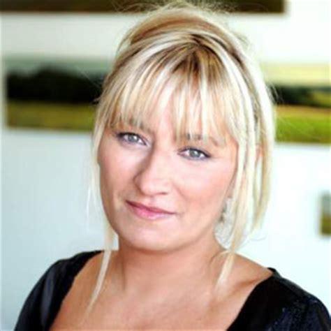la cuisine de valerie christine bravo l 39 animatrice de télévision française la mieux payée en 2017 médiamass