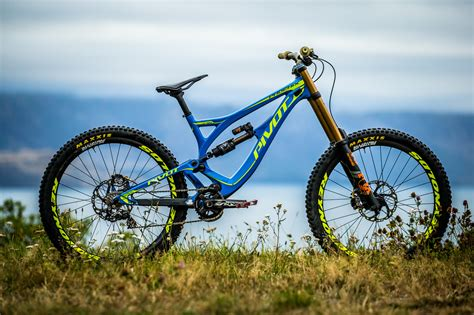 bernard kerrs pivot phoenix dh carbon mountain bikes