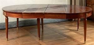 Table De Salle A Manger Ovale : table de salle manger ovale bandeau en acajou reposant sur des pieds ~ Teatrodelosmanantiales.com Idées de Décoration