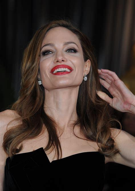 Angelina Jolie's Best Oscars Outfits Include High Leg ...