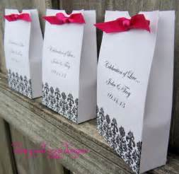 wedding favor bags 7 ways to thank guests at a wedding wedding favor bags by and izzie designs