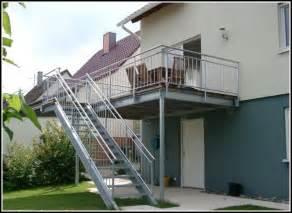 terrasse mit treppe balkon mit treppe in den garten balkon hause dekoration bilder zvxj5rvdlb