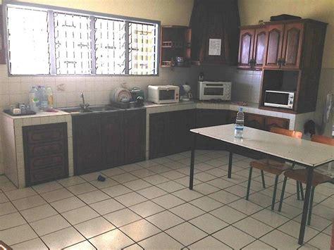 cuisine st andre location local professionnel de 150 m2 proche des commodités à andré la réunion agence