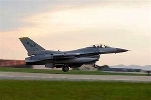 F-16 Fighting Falcon   Military.com