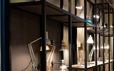 » Anglepoise Clerkenwell Showroom With Unibox Displays, London