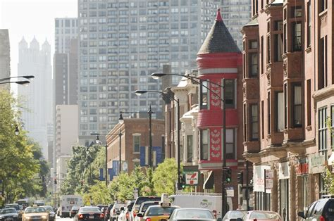 The Best Spots For Shopping And Dining In Lincoln Park