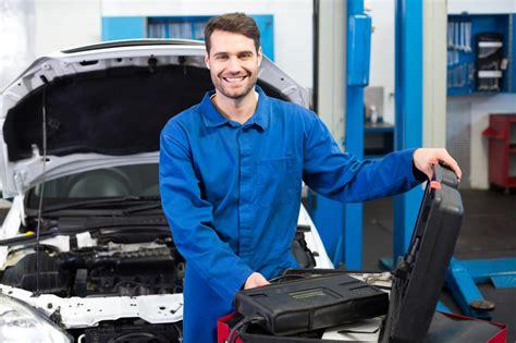 3 Reasons You Can Enjoy Job Security with an Auto Mechanic Career