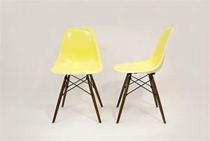 Chaise à Bascule Pas Cher : chaises eames pas cher ~ Teatrodelosmanantiales.com Idées de Décoration