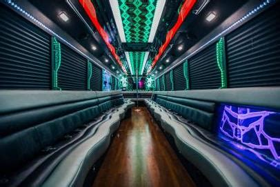 Cheap Party Boat Rentals Chicago by Party Bus Chicago Il 14 Cheap Party Buses For Rent