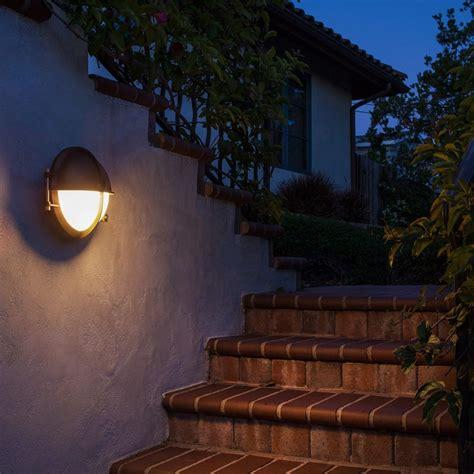 Moderne Aussenbeleuchtung by How To Choose Modern Outdoor Lighting Design Necessities
