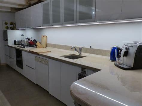 taille cuisine taille plan de travail cuisine chaise cuisine hauteur