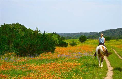 country hill lodge ranch equestrian texas bandera dude resortsandlodges test description tx