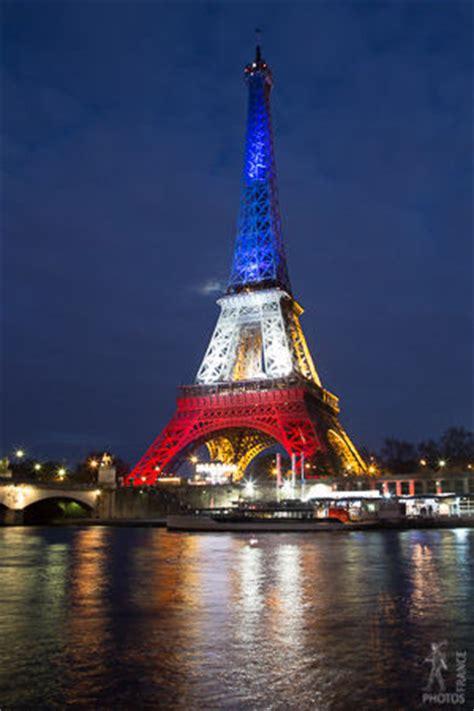 eiffel tower  paris pictures   images