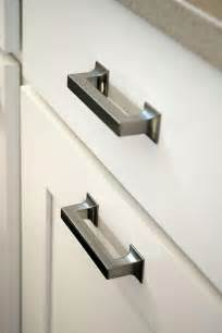 kitchen renovation knobs vs pulls kitchen cabinet handles