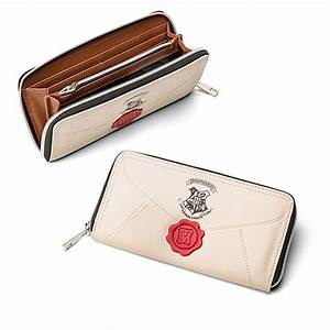 Harry potter hogwarts letter zip wallet thinkgeek for Hogwarts letter zip wallet