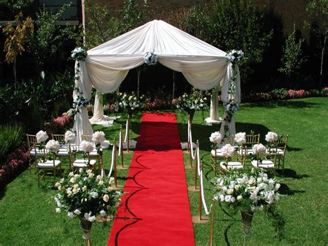 decorate  outdoor wedding pouted